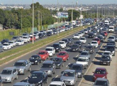 Vendas de veículos caem 9,32% em abril e enfrentam 'pior cenário dos últimos dez anos'