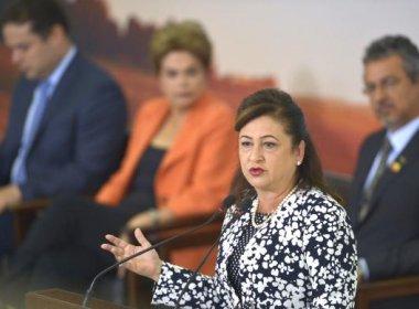 Kátia Abreu diz que pretende ser corresponsável se Dilma for afastada