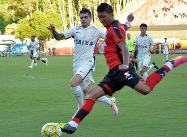 De virada, Vitória vence o Corinthians por 3 a 2 no Barradão