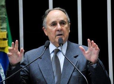 Cristovam apresenta PEC que prevê 'recall' para mandatos no Executivo