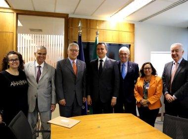 Governador assina empréstimo de US$ 200 milhões com Bird para recuperação de estradas