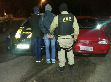 Casal é preso após roubar carro para viajar no Dia dos Namorados