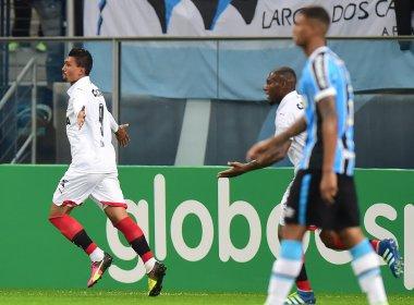 Vitória bate o Grêmio e vence a primeira fora de casa