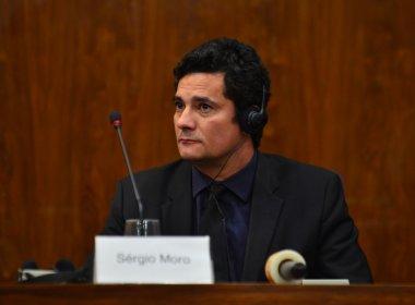 Juiz Sérgio Moro é aplaudido durante show da banda Capital Inicial em Curitiba; veja vídeo