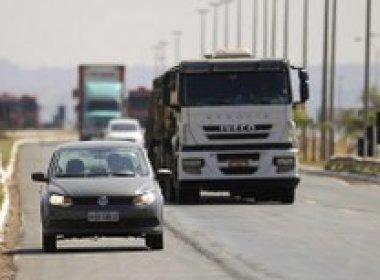 Uso do farol baixo em rodovias durante o dia passar a ser obrigatório a partir de sexta