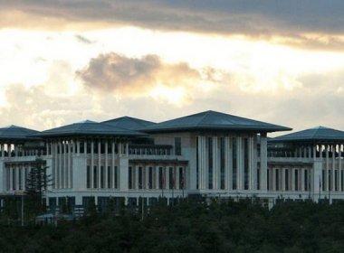 Palácio de presidente da Turquia tem 1,1 mil cômodos e custou mais de R$ 2 bilhões