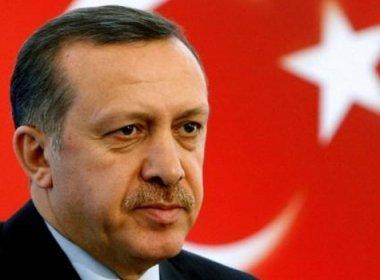 Presidente da Turquia manda fechar milhares de escolas no país