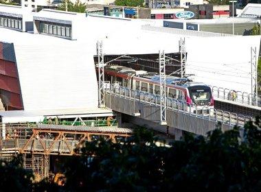 Trem do metrô realiza primeiro teste na linha 2