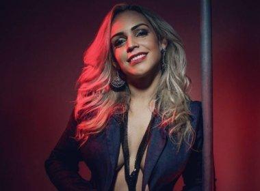 Vocalista do Gera Samba, Cris Mel ficou apreensiva ao assumir banda: 'Deu tudo certo'