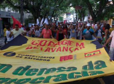 Protesto reúne manifestantes contrários a Michel Temer no Campo Grande