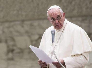 Papa afirma que é 'terrível' ensino de identidade de gênero nas escolas