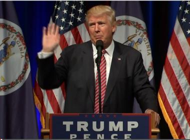 Após bebê chorar em meio a discurso, Trump pede saída da criança