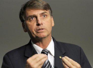 """Após ser chamado de 'homofóbico"""", Jair Bolsonaro dá voz de prisão a estudantes"""