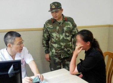 Chinesa cai de cruzeiro e é resgatada após passar 38 horas no mar