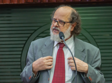 Relatório da Anatel critica postura da agência sobre franquias de internet