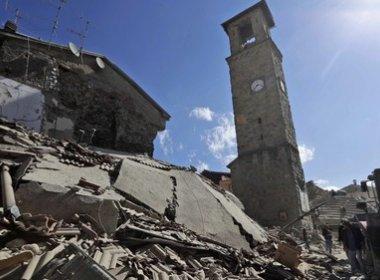 Sobe para 73 número de vítimas de terremoto na Itália
