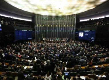 PT realiza operação para conseguir abstenções e evitar inabilitação de Dilma
