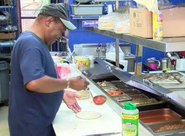 Proprietário de pizzaria nos EUA troca arma de fogo por pizza extra grande