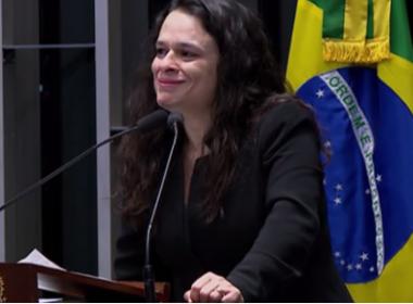 Janaína Paschoal chora por causar 'sofrimento' a Dilma e cita Deus ao falar de conluio