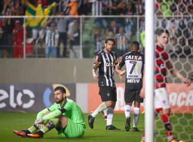 Vitória perde para o Atlético-MG e volta à zona de rebaixamento