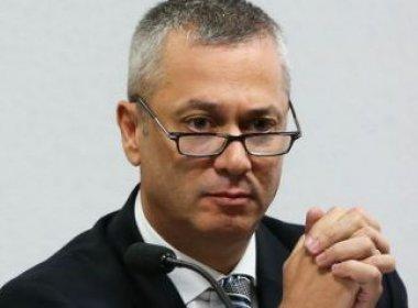 Ex-advogado-geral da União afirma que governo quer 'abafar a Lava Jato'