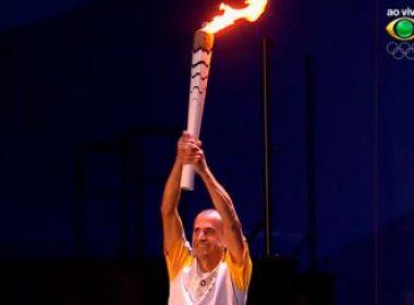 Tocha que acendeu pira nos Jogos Olímpicos é leiloada; lance já passa de R$ 90 mil