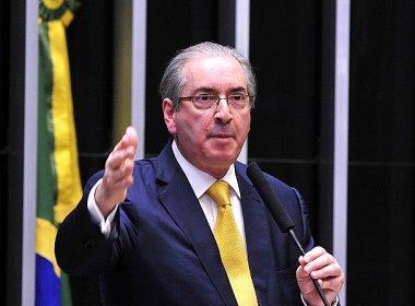 Câmara cassa mandato de Cunha com 450 votos e deputado fica inelegível