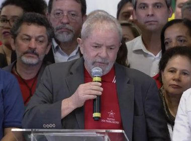 Lula chora, se coloca como 'cidadão indignado' e ironiza trabalhos da PF e do MPF
