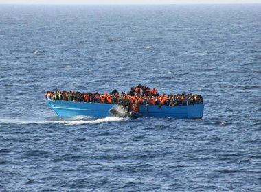 Naufrágio na costa egípcia deixa mais de 400 imigrantes desaparecidos