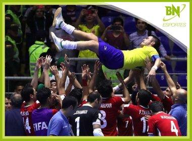 Falcão lamenta eliminação na Copa do Mundo de Futsal: 'Bem difícil'