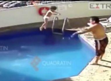 Homem é condenado por jogar enteada de três anos até a morte em piscina; veja vídeo