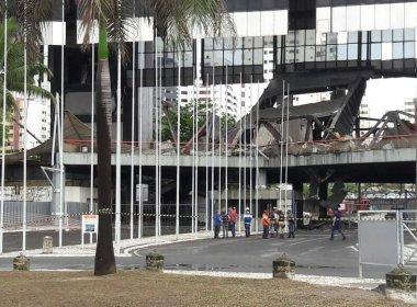 Após desabamento, autoridades realizam vistoria no Centro de Convenções de Salvador