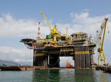 Petrobras encomenda plataformas no exterior após atraso de prazos