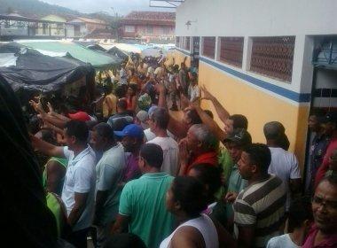 Candidato a reeleição em Ibirataia é expulso de feira livre sob grito de 'Fora Saruê'