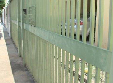 Pai mata filhos de 3 e 4 anos a facadas e depois tenta suicídio em São Paulo