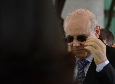 PF avaliava risco de Mantega fugir; ex-ministro planejava viagem à Paris