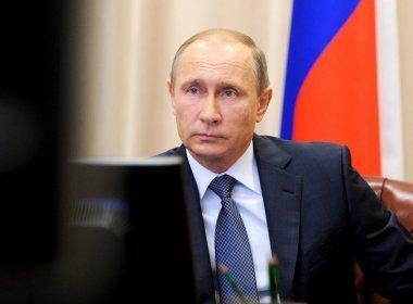 Vladimir Putin acusa França de querer 'inflamar' conflitos na Síria