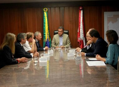 Rui se encontra com embaixador e cônsul da Espanha e apresenta projetos do governo