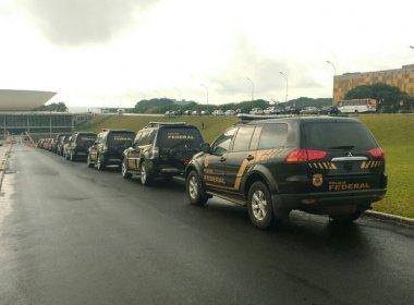 PF faz busca e apreensão no gabinete de Collor e prende policiais legislativos
