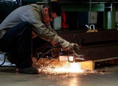 Bahia precisa qualificar 529 mil trabalhadores em profissões industriais até 2020
