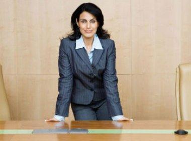 Mulheres estão em desvantagem na disputa por cargos nas empresas, diz pesquisa