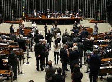 Câmara vai gastar R$ 126,7 mil na compra de frigobares e geladeiras dúplex para deputados