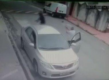 Policial que dirigia Uber mata três que tentaram assalto durante corrida; veja vídeo