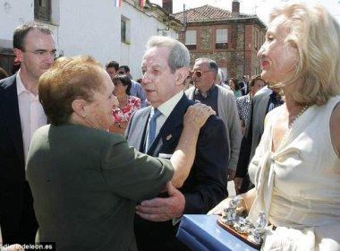 Fundador da Corona doa R$ 725 milhões para parentes em província da Espanha