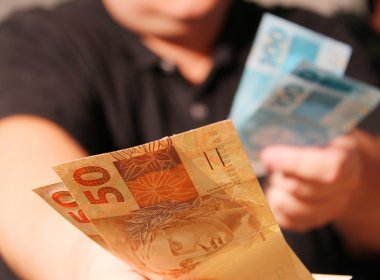 Queda de receita influencia pagamento do funcionalismo público em nove Estados