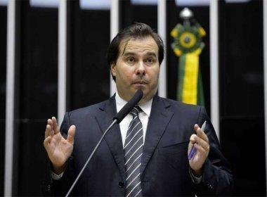 Rodrigo Maia tem recebido série de mensagens eletrônicas contra anistia ao caixa 2