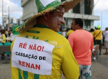 Em ato a favor da Lava Jato, na Barra, Renan é o mais criticado