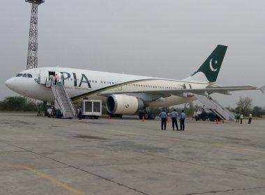 Avião caiu em região montanhosa no Paquistão, afirmam autoridades