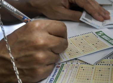 Mega-Sena acumula e pode pagar R$ 25 milhões no sorteio da próxima quarta