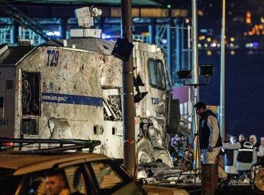 Governo da Turquia promete vingança após ataque que matou 38 pessoas